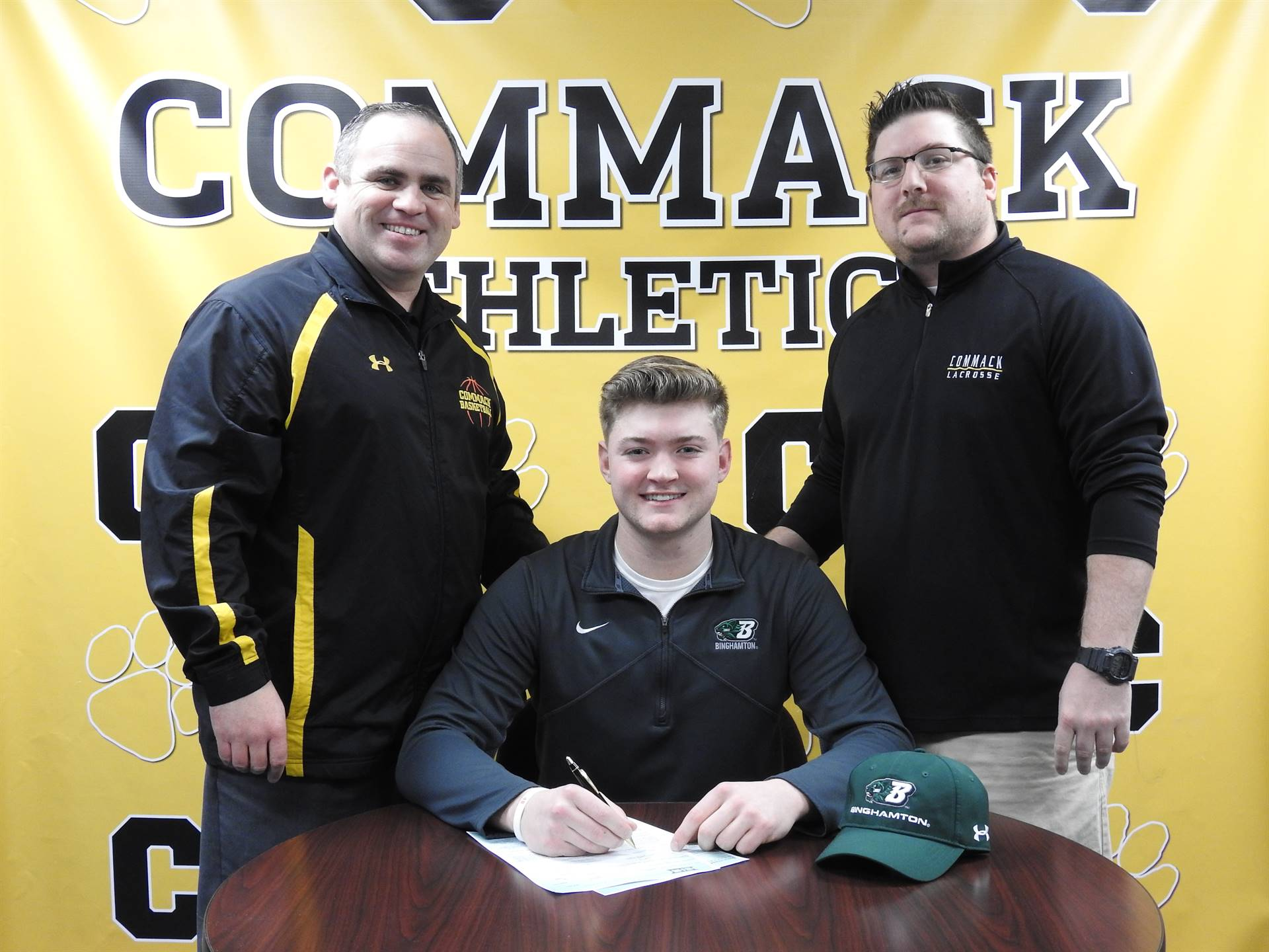 Student Signs College Letter of Intent