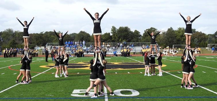 Cougar Cheerleaders